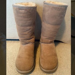 Classic Tall UGG Boots in Cream/Sand